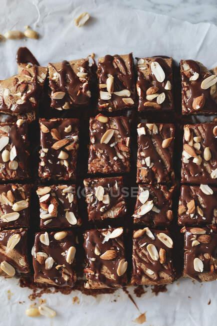 Brownie au chocolat au beurre d'arachide et aux amandes — Photo de stock
