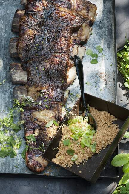 Grilled churrasco ribs with Farofa (Brazil) — Stock Photo