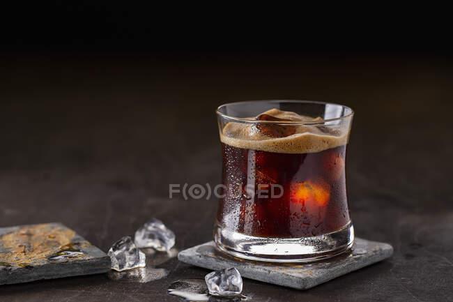 Café helado con espresso espumoso - foto de stock