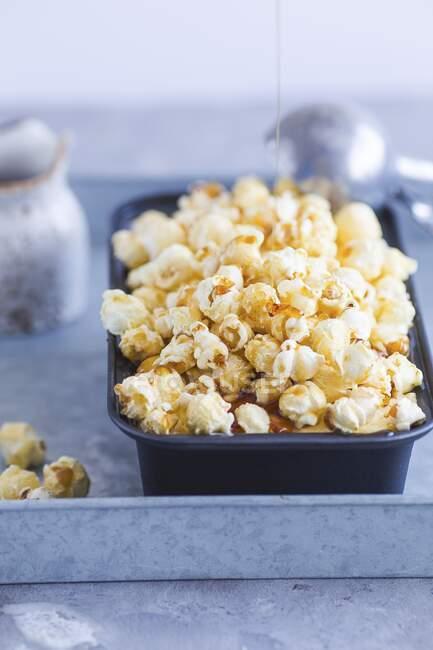 Helado de palomitas de maíz Toffee - foto de stock