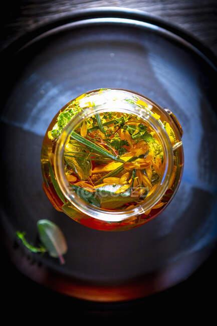 Oximel (una mezcla de miel y vinagre, utilizado como medicamento)) - foto de stock