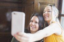 Friends taking self portrait — Stock Photo