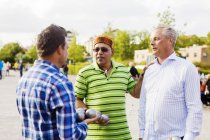 Friends playing boule at park — Stock Photo