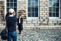 Uomo fotografare donna — Foto stock