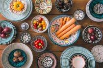 Ingredientes de multi colores tazones - foto de stock