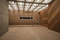 Leere Halle des modernen Gebäudes — Stockfoto