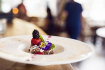 Chocolate mousse with fresh berries — Stock Photo
