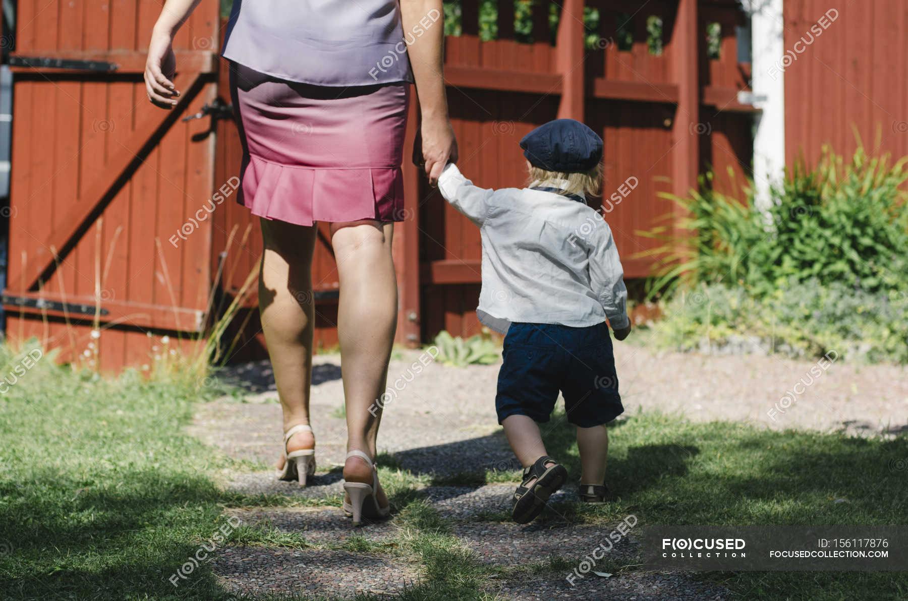 Толстая мама с сыном трахаются онлайн, Сын трахнул толстую мать -видео. Смотреть сын 19 фотография