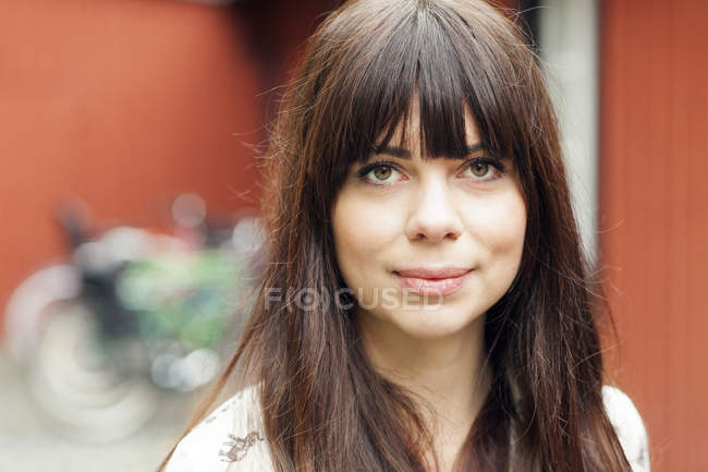Mulher bonita ao ar livre — Fotografia de Stock