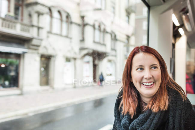Happy woman traveling — Stock Photo