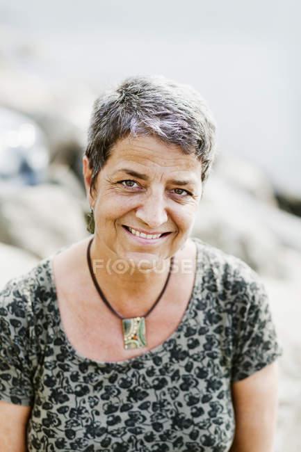 Mulher madura feliz — Fotografia de Stock