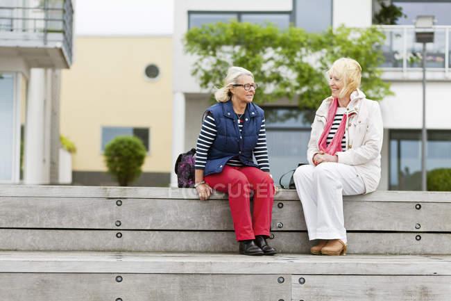 Mature amis féminines — Photo de stock