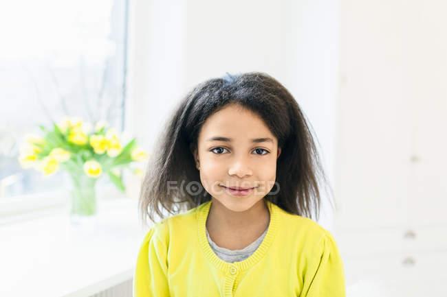 Portrait of happy gir — Stock Photo