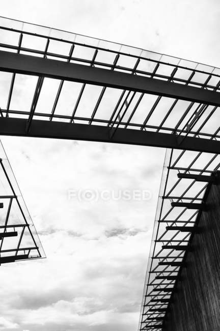 Glass structure against sky — Stock Photo