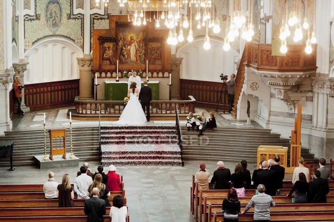 Cerimônia de casamento na Igreja — Fotografia de Stock