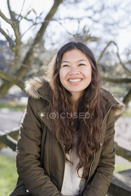 Smiling teenage girl — Stock Photo