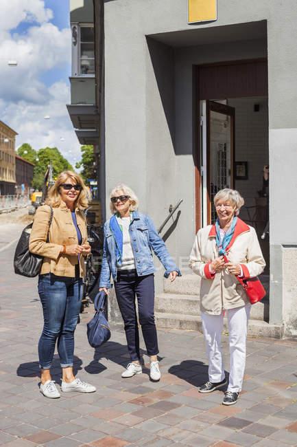 Senior women standing on street — Stock Photo
