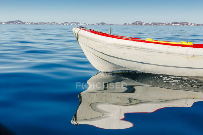 Boat moored in sea — Stock Photo