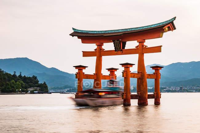 Giant floating torii gate — Stock Photo