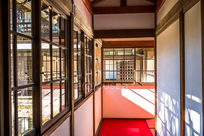 Hogar tradicional japonés - foto de stock