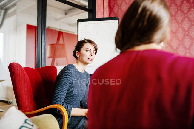 Businesswomen in meeting at office — Stock Photo