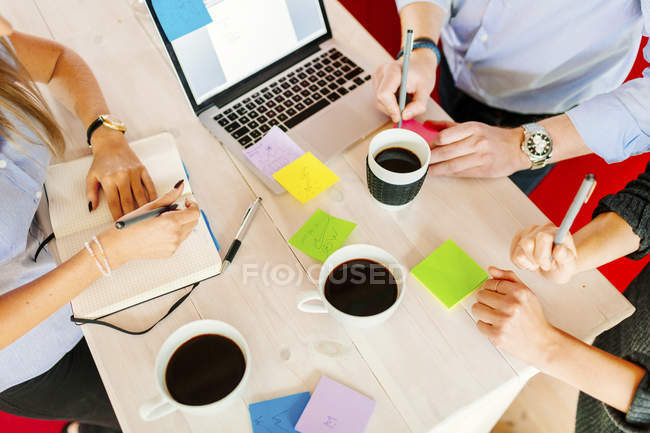Business people working at desk — Stock Photo