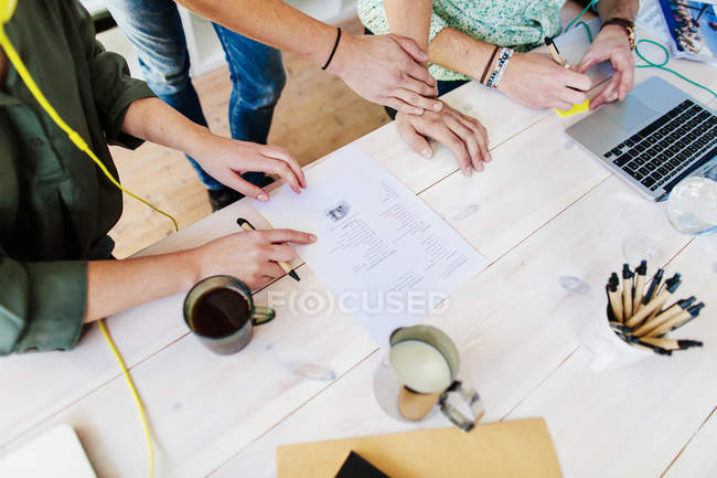 Business people with paperwork — Stock Photo