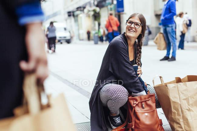 Glückliche Frau Freundin betrachten — Stockfoto