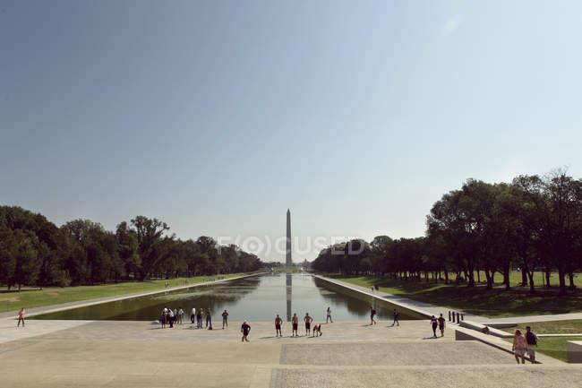 Turisti al Lincoln Memorial Park — Foto stock