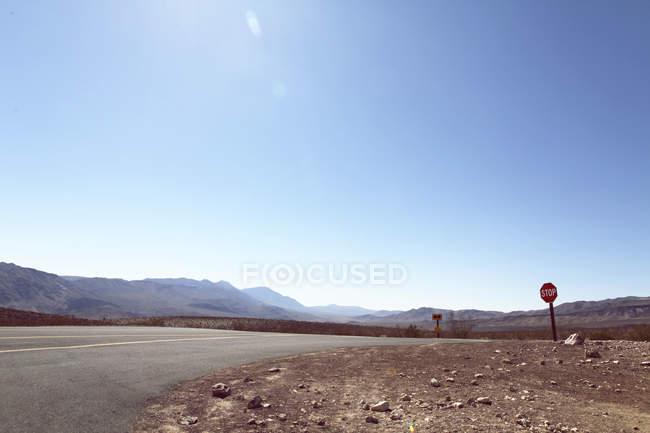 Route au parc national de la Vallée de la mort — Photo de stock