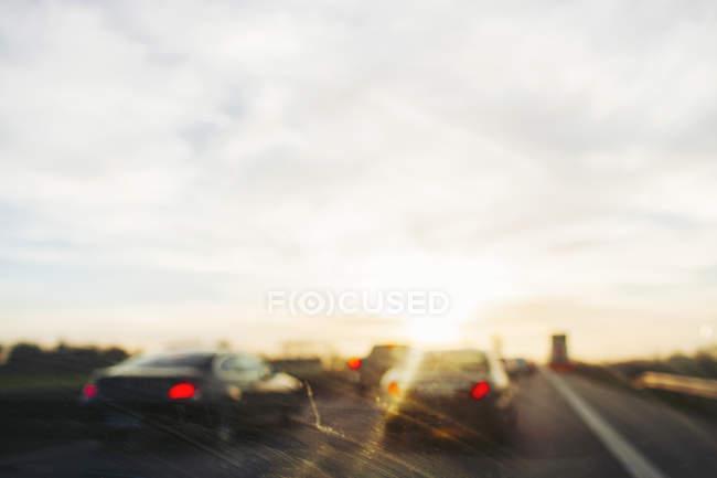 Autos, die durch die Windschutzscheibe sehen — Stockfoto