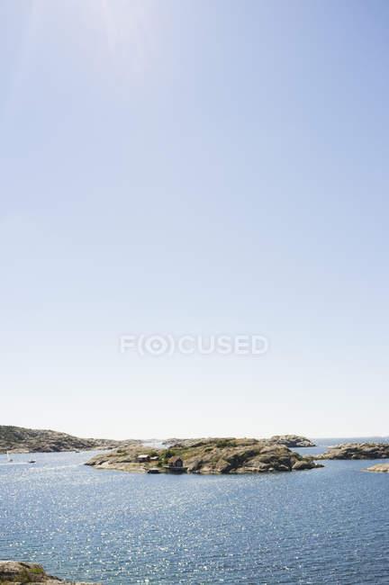Idílica vista del lago - foto de stock