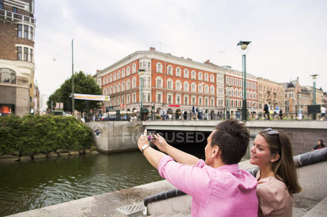 Friends taking selfie — Stock Photo