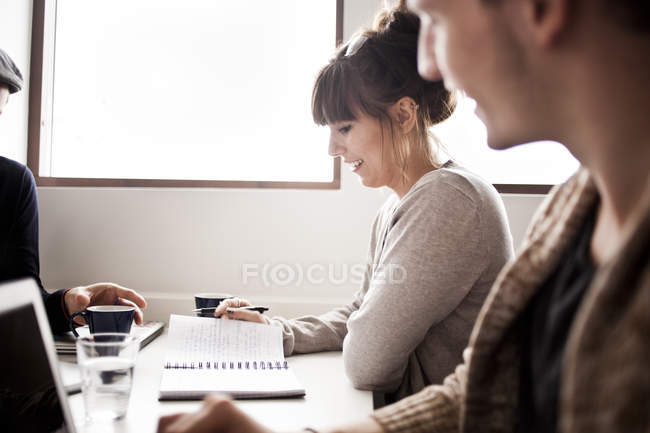 Business people working at desk in office — Stock Photo