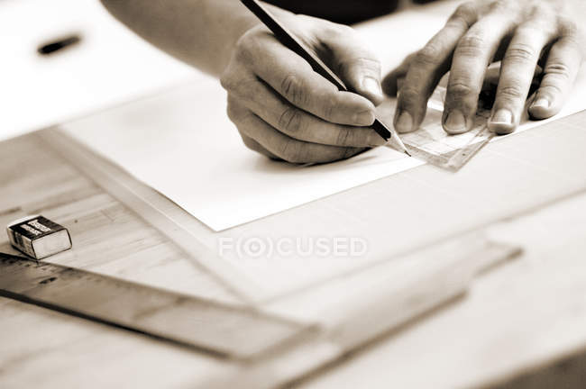 Person using ruler — Stock Photo