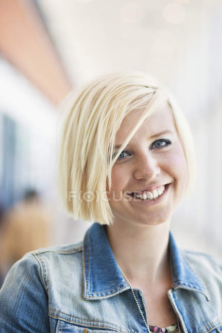 Young blond woman — Stock Photo