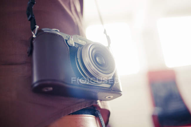 Man with vintage camera — Stock Photo