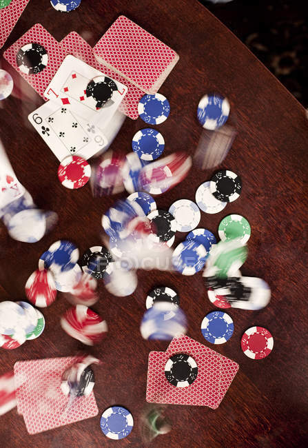 Flou de mouvement de jetons de poker — Photo de stock