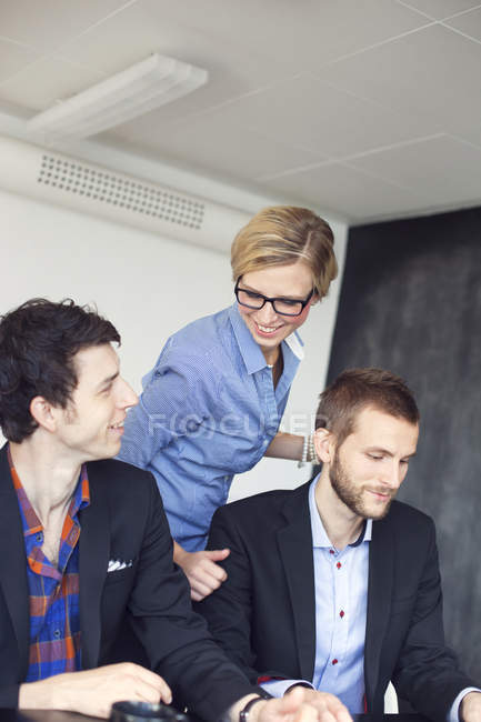 Happy businesswoman discussing — Stock Photo