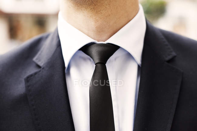 Young businessman in suit — Stock Photo