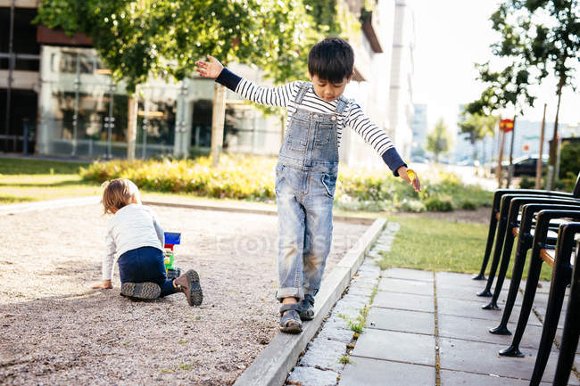 Boys playing at playground — Stock Photo