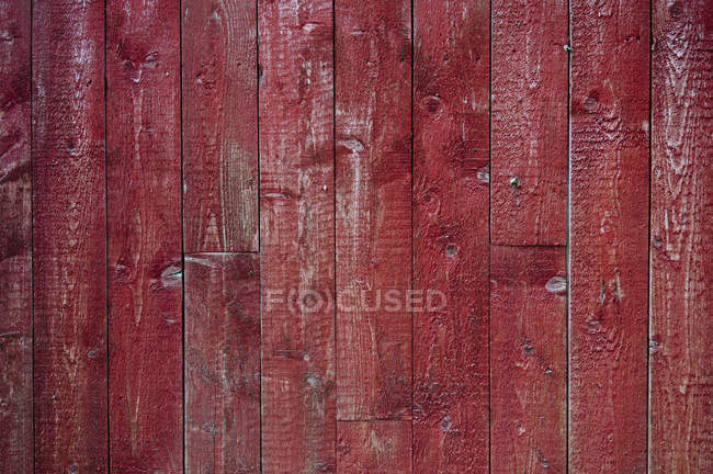 Mur en bois rouge — Photo de stock