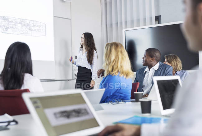Architect giving presentation — Stock Photo