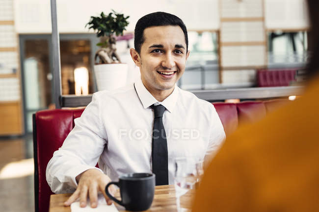 Colleagues having business lunch — Stock Photo