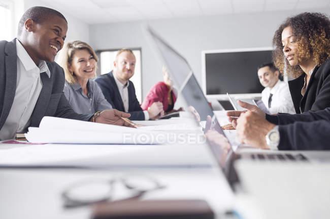 Reunião de negócios no escritório — Fotografia de Stock