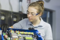 Engineer at block heat workshop — Stock Photo