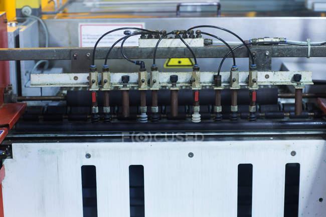 Attrezzature pesanti presso stabilimento industriale — Foto stock