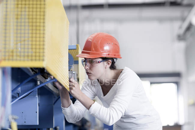 Young woman technician — Stock Photo