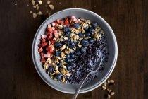 Cereale di mattina di riso con frutti di bosco — Foto stock