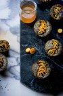 Torte di kumquat e sesamo nero — Foto stock